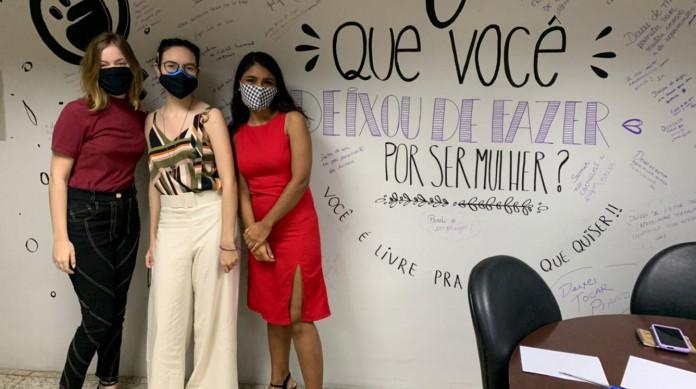 Mariana Barros, Dandara Santos e Aisha Paz do projeto Cadê o Modes