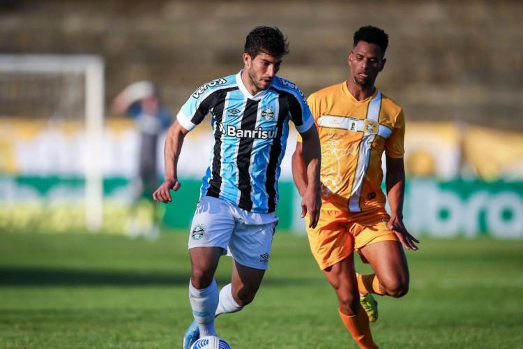 Copa do Brasil: Grêmio segura empate com Brasiliense e vai às oitavas (Foto: )