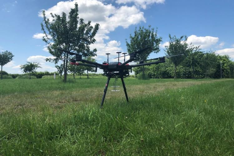 Modelo do drone capaz de encontrar pessoas pelos sons que elas emitem (Foto: Reprodução/Acoustical Society of America)