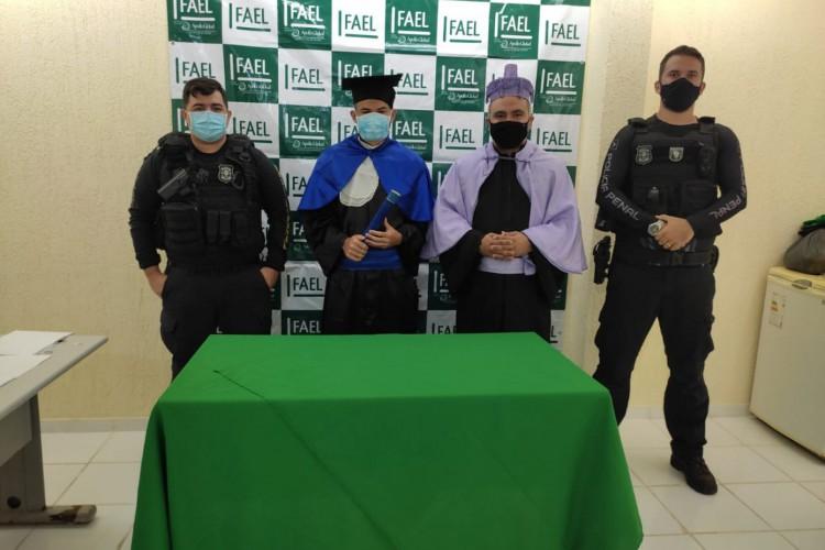 Além de Kayo, outros 12 internos da unidade estão cadastrados em aulas no ensino superior  (Foto: Divulgação/SAP)