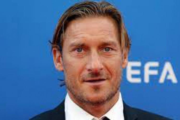 O ex-jogador Francesco Totti participará da abertura da Eurocopa em 2021 (Foto: AFP)