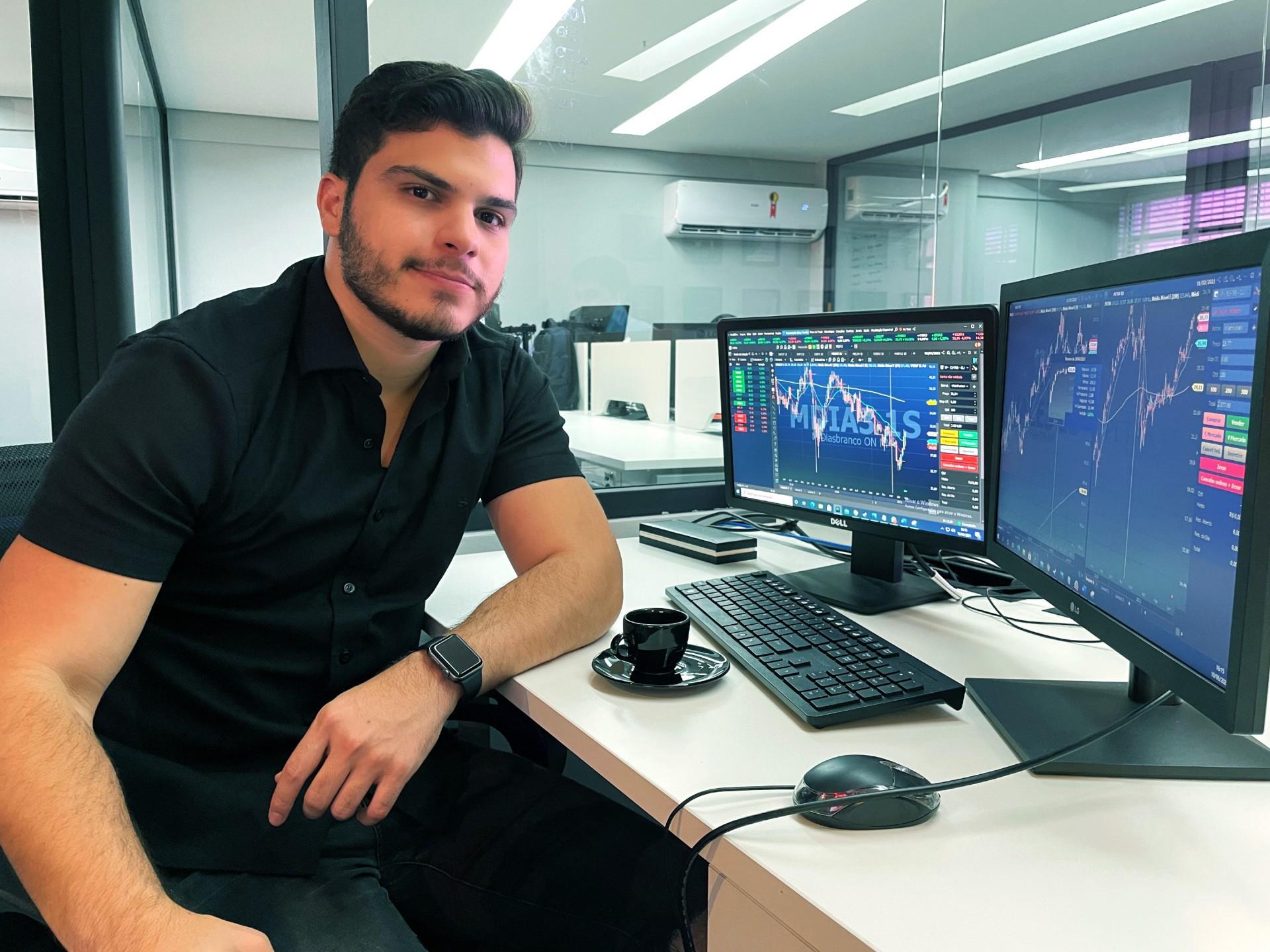 Juvêncio Viana, 24 anos, empresário, é um dos cearenses que ampliou os investimentos na bolsa durante a pandemia