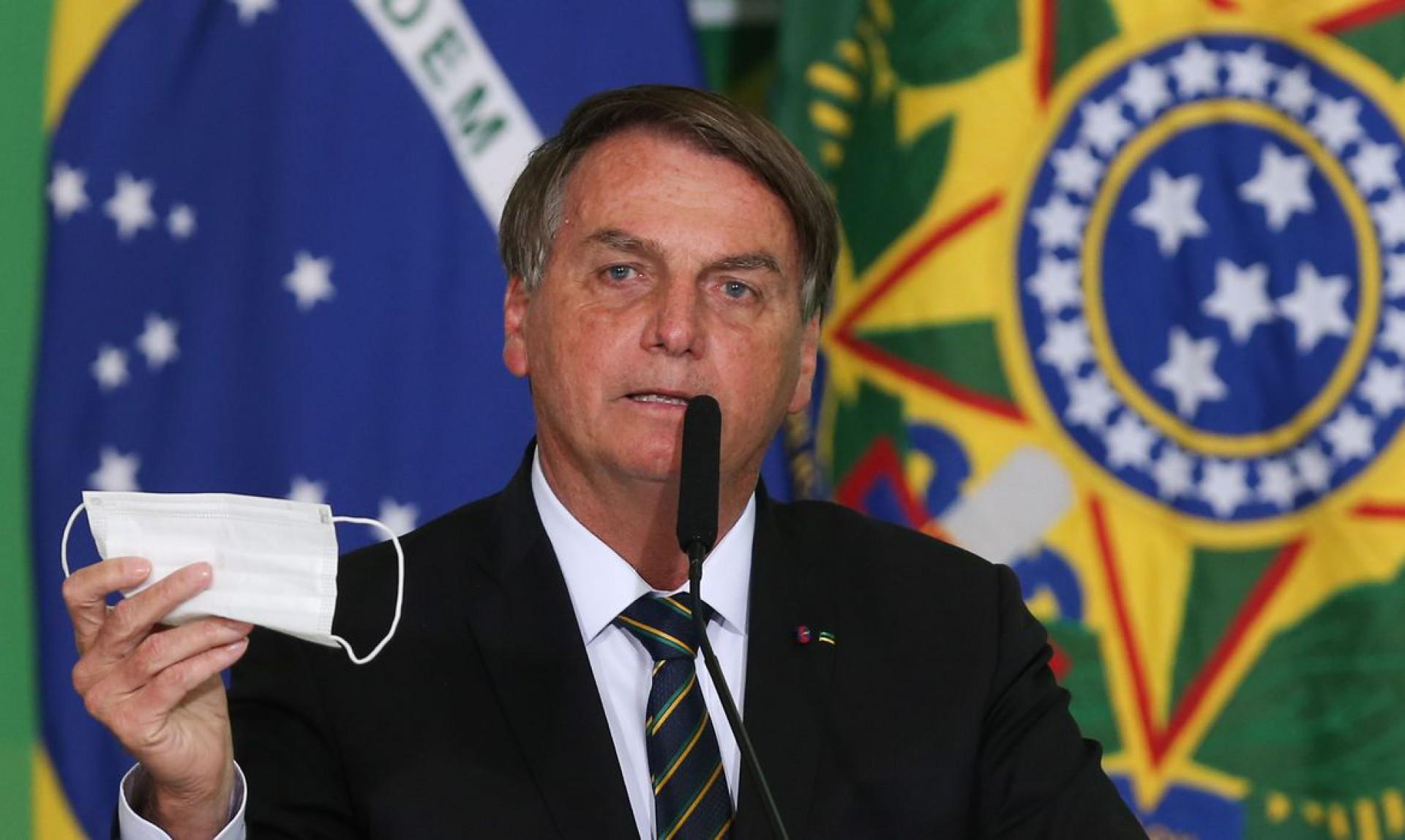 PRESIDENTE diz que ministro Queiroga emitirá um parecer