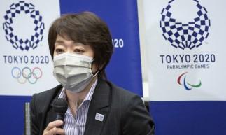 Seiko Hashimoto, presidente do Comitê Organizador das Olimpíadas de Tóquio 2020, fala durante uma coletiva de imprensa