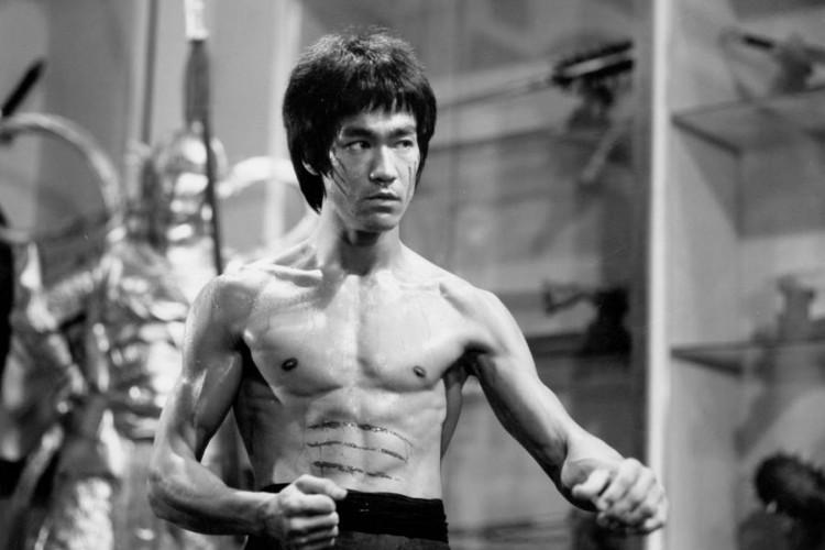 Bruce Lee foi um dos nomes chineses que ganhou repercussão internacional (Foto: Reprodução)
