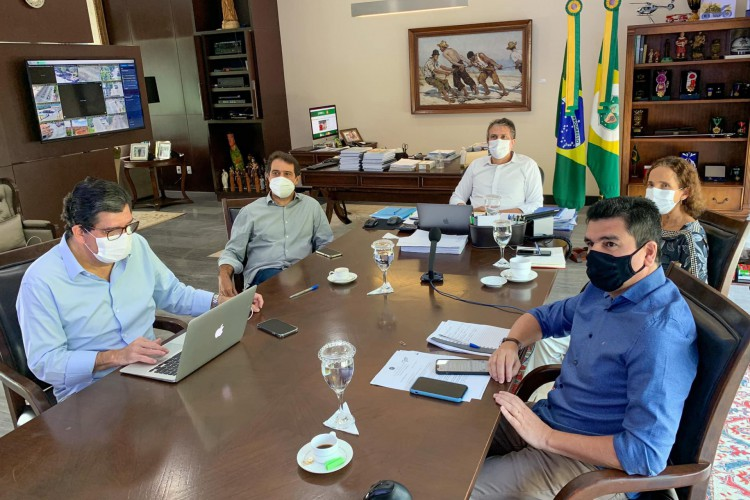 Reunião definiu novo decreto sobre Covid-19 nesta sexta-feira, 11 de junho (Foto: REPRODUÇÃO/FACEBOOK)