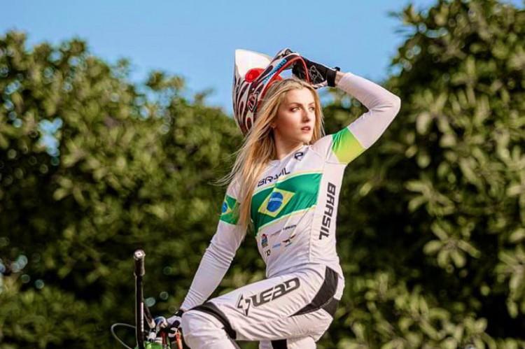 Priscilla Stevaux, do ciclismo BMX, garante vaga na Olimpíada de Tóquio (Foto: Divulgação / COB)
