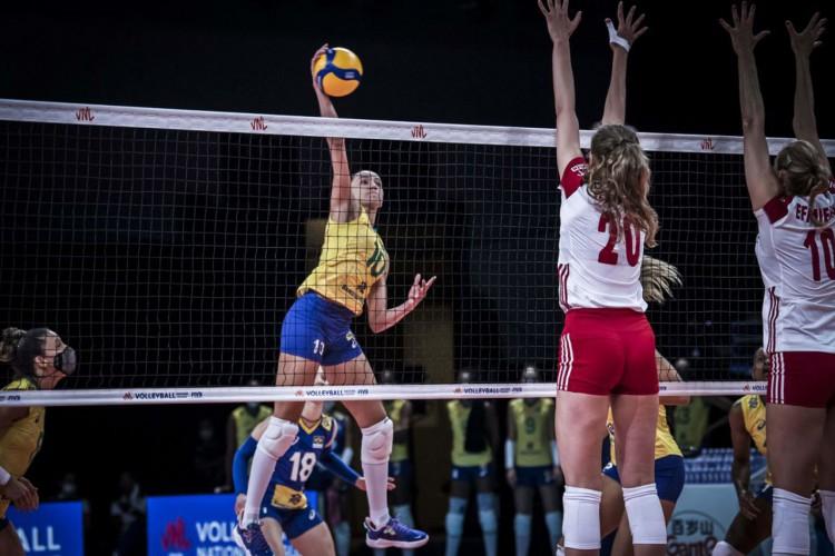 Vice-líder, Brasil supera Polônia em sets diretos na Liga das Nações (Foto: )