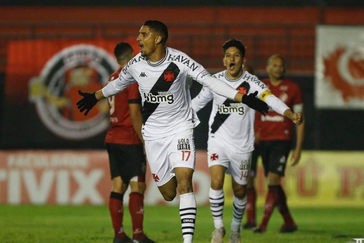 Vasco vira sobre o Brasil-RS e conquista a primeira vitória na Série B (Foto: )