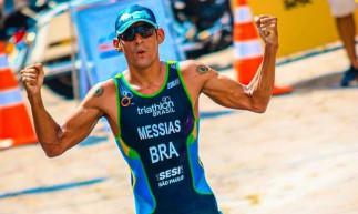 O triatleta Manoel Messias garantiu vaga nos Jogos Olímpicos de Tóquio 2020 (Foto: Reprodução/Twitter Time Brasil)