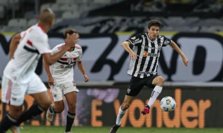 São Paulo e Atlético-MG se enfrentam pela Série A do Brasileirão. Veja onde assistir ao vivo à transmissão e qual horário do jogo.