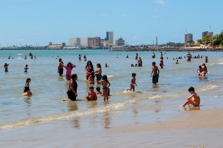 Movimentação na Beira Mar (Foto: Barbara Moira)