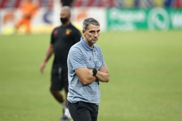 Juan Pablo Vojvoda analisou confronto entre Fortaleza x Fluminense, pela Série A (Foto: Fabio Lima)