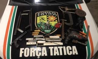 Armas, drogas e munições foram encontrados durante ação em fábrica clandestina de armas no Bom Jardim