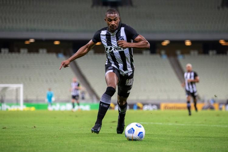 Atacante Saulo Mineiro é o líder do participação diretas em gols do Ceará (Foto: Felipe Santos/CearaSC)