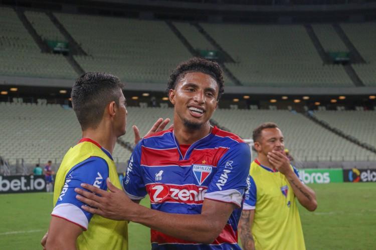Volante Éderson é um dos destaques do Fortaleza na Série A e lidera quesitos defensivos e ofensivos no clube (Foto: Leonardo Moreira / Fortaleza EC)