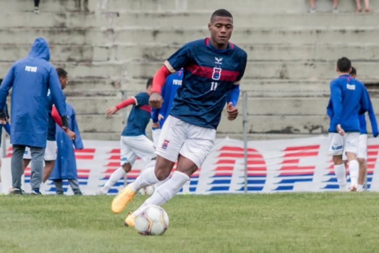 Thiago Alves jogou a Série B do Brasileiro de 2020 pelo Paraná  (Foto: Rui Costa/Paraná)