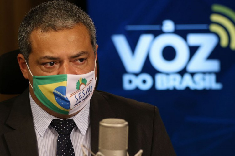 Robson Santos da Silva, Secretário Especial de Saúde Indígena do Ministério da Saúde, participa do programa A Voz do Brasil (Foto: Marcello Casal JrAgência Brasil)
