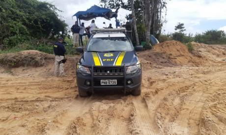 Duas motocicletas e um trator foram apreendidos e encaminhados à Polícia Federa