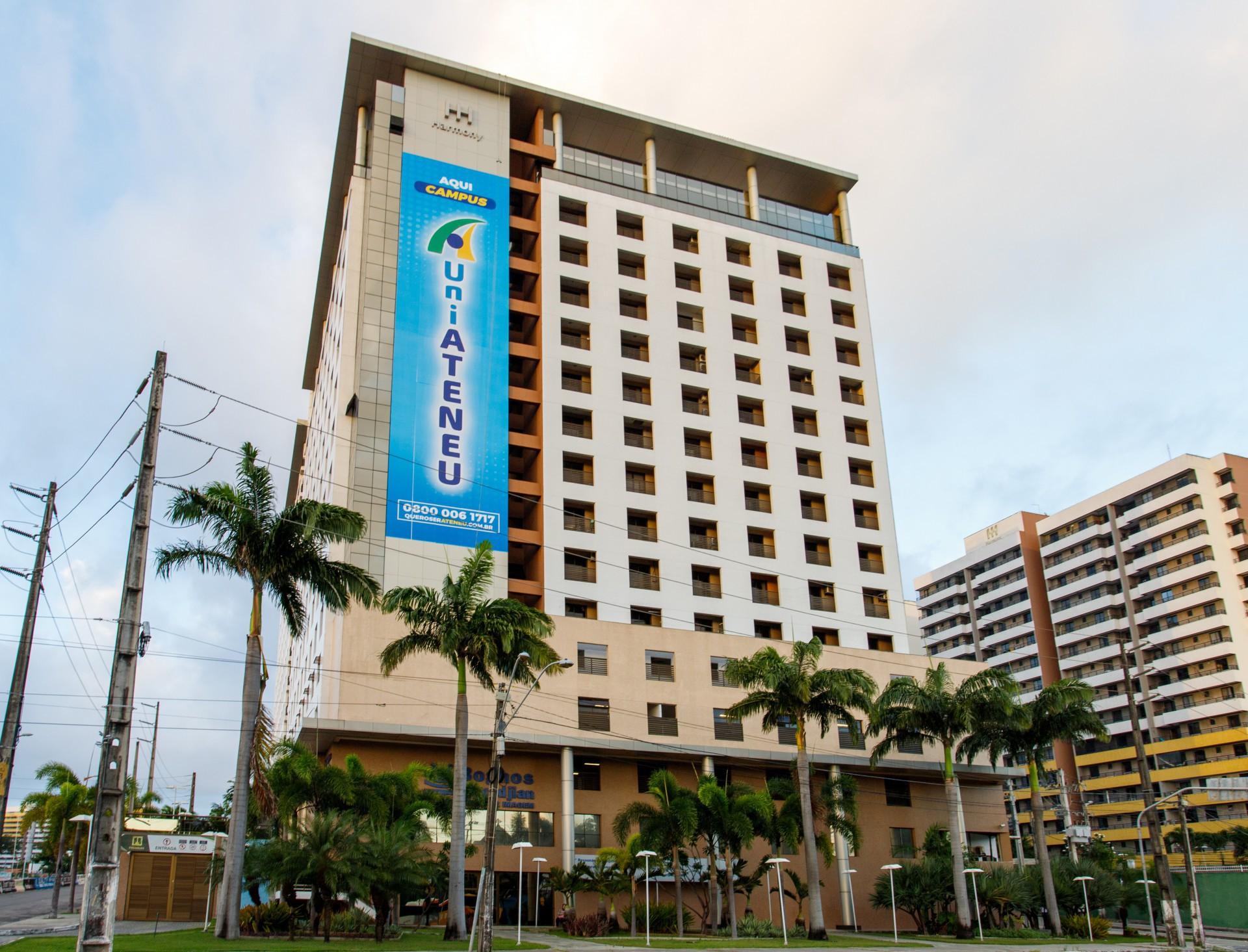 A UniAteneu Bezerra de Menezes está localizada em uma área privilegiada em Fortaleza, com fácil acesso para diferentes regiões da cidade (Foto: HELTON ROLIM/Divulgação)