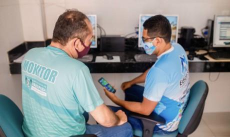 O projeto irá contar com monitores que vão ajudar os moradores nas capacitações digitais