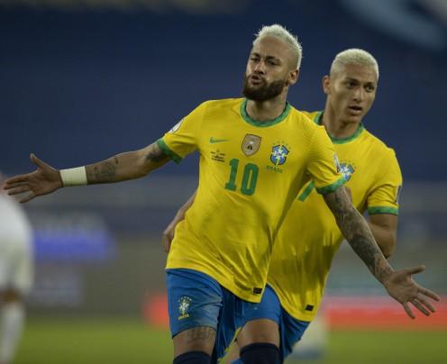 Brasil goleia o Peru e mantém 100% de aproveitamento na Copa América