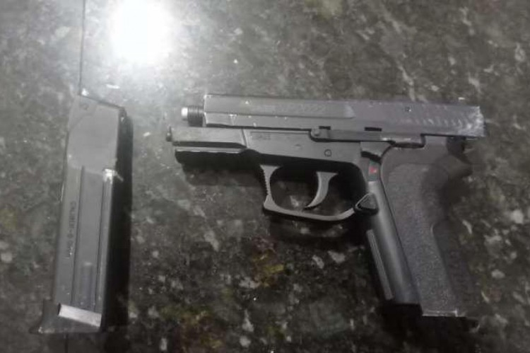 Com o suspeito de roubar bicicleta, Polícia apreendeu simulacro de arma de fogo