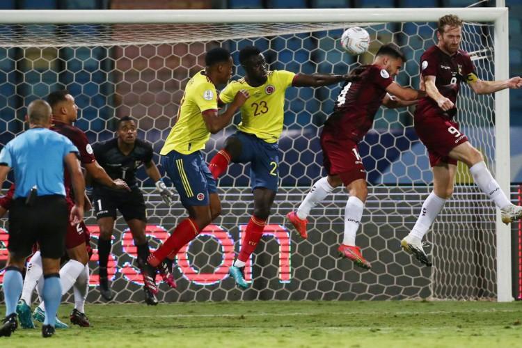 Com brilho de goleiro, Venezuela segura Colômbia pela Copa América (Foto: )