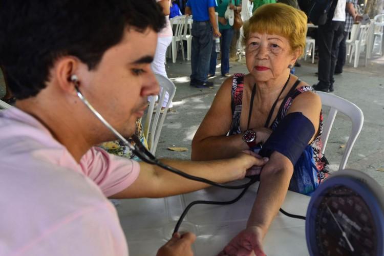 Em comemoração ao Dia Internacional da Mulher, médicos promovem campanha de conscientização sobre saúde cardiovascular e advogados oferecem orientação jurídica gratuita (Tânia Rêgo/Agência Brasil) (Foto: Tânia Rêgo)