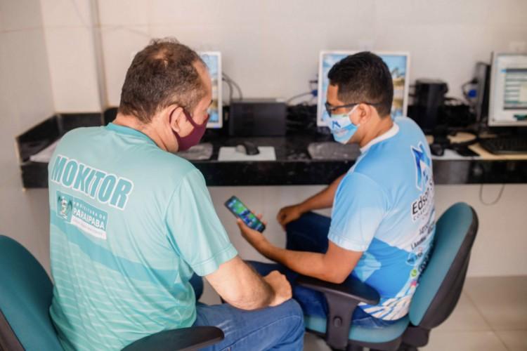 O projeto irá contar com monitores que vão ajudar os moradores nas capacitações digitais (Foto: Divulgação/Prefeitura de Paraipaba)