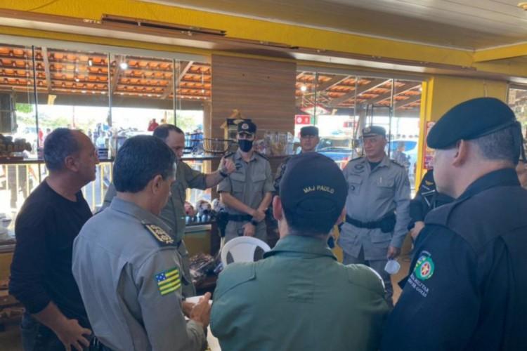 Falta de comando único é critica de especialistas para andamento da operação que busca o suspeito (Foto: Divulgação/SSP Goiás)