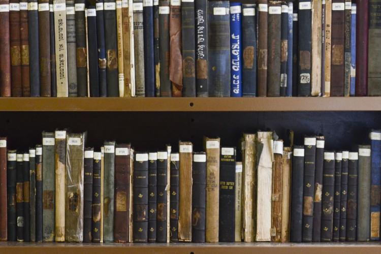 Reabertura da biblioteca da Casa do Povo, que possui um acervo de quase 8 mil livros e centenas de moldes de roupas, no Bom Retiro, em São Paulo. (Foto: Rovena Rosa/Agência Brasil)