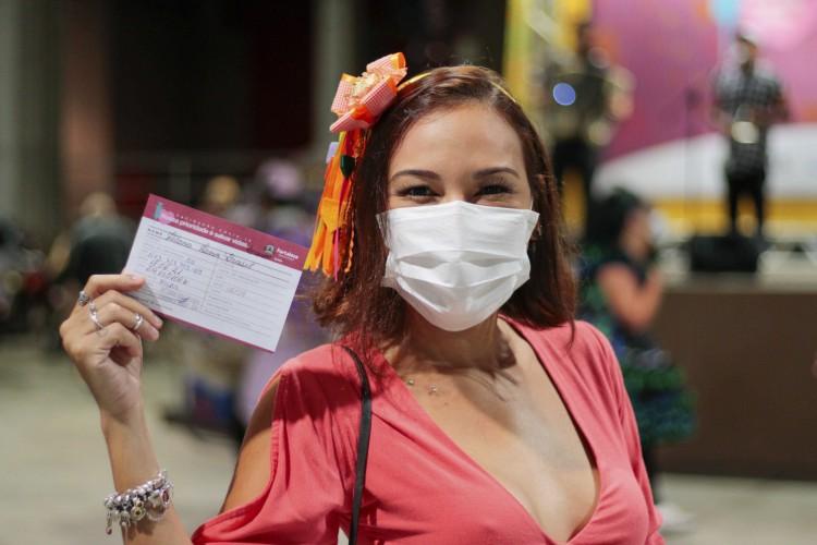 """Mais de 4,5 mil pessoas entraram de forma complementar nas listas do """"Arraiá da Vacinação"""", realizado no Centro de Eventos, na última sexta-feira, 18 (Foto: Bárbara Moira)"""