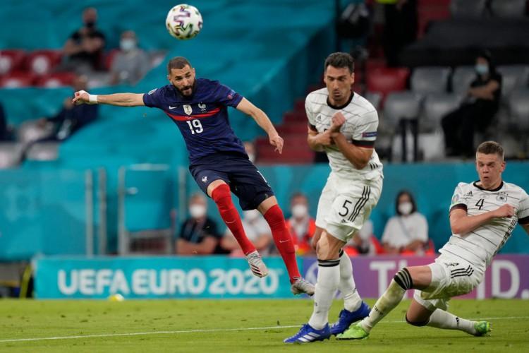 França de Karim Benzema enfrenta hoje a Hungria; veja onde assistir ao vivo à transmissão e qual horário do jogo (Foto: Matthias Schrader / AFP)