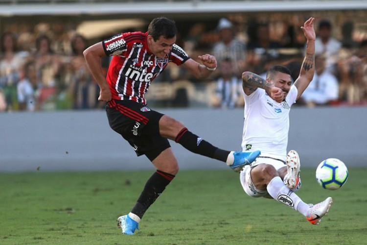 Santos e São Paulo duelam pela quinta rodada do Campeonato Brasileiro (Foto: Rubens Chiri / saopaulofc.net)