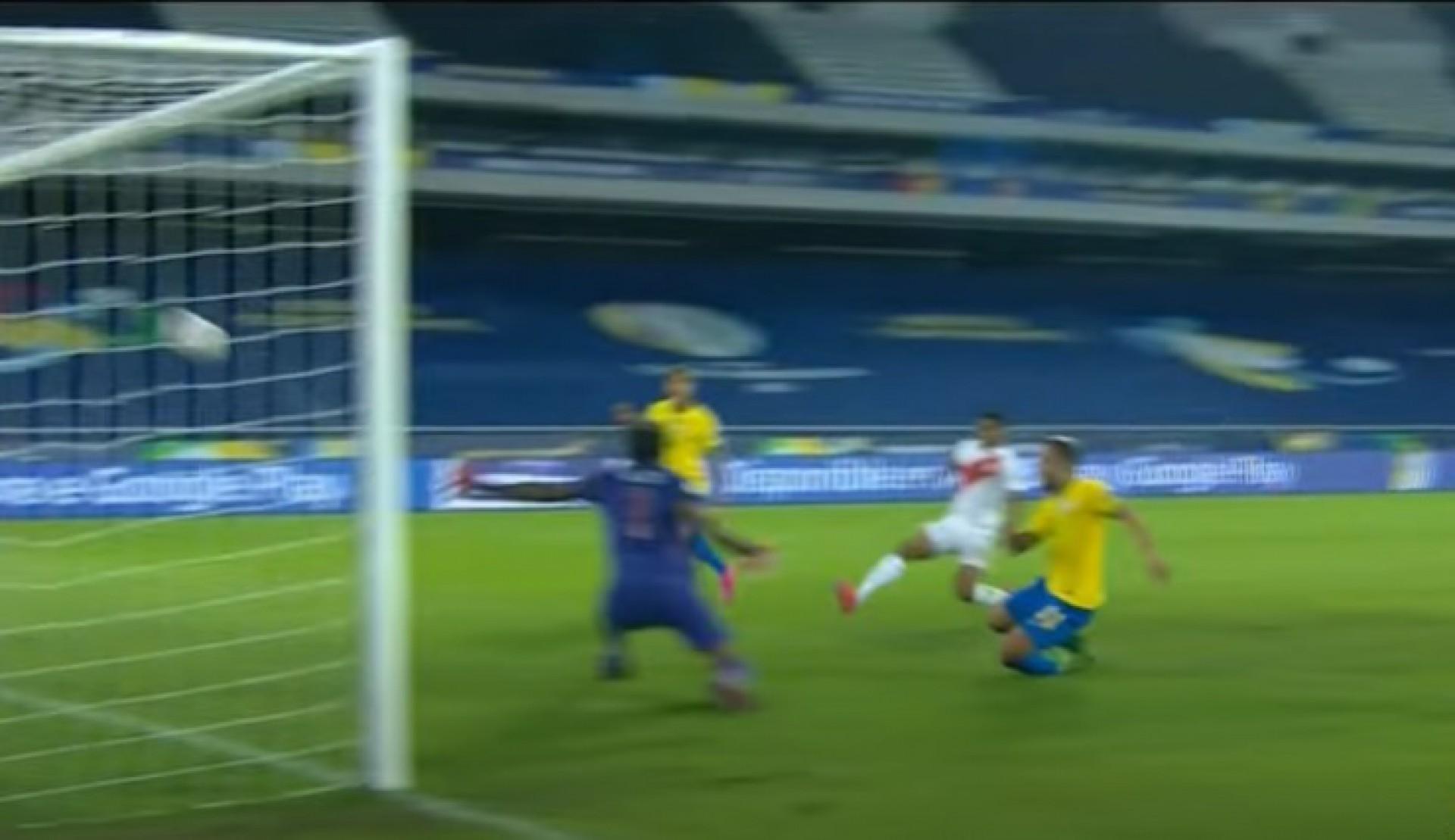Brasil usa acréscimos para golear Peru