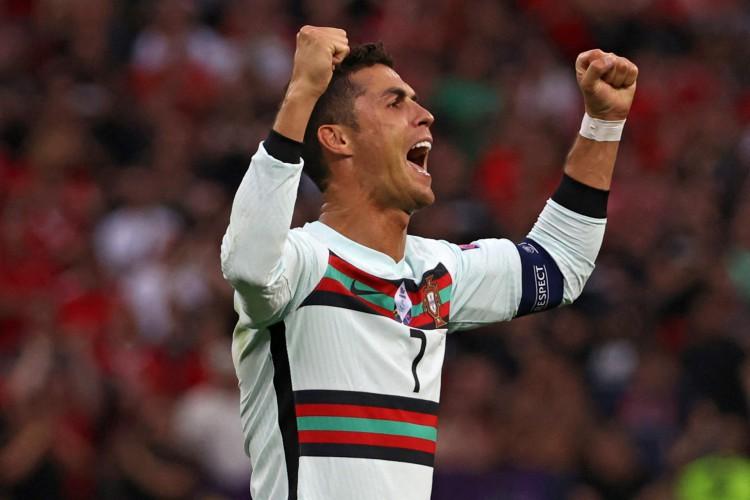 Portugal de Cristiano Ronaldo enfrenta hoje a Alemanha; veja onde assistir ao vivo à transmissão e qual horário do jogo (Foto: BERNADETT SZABO / AFP)
