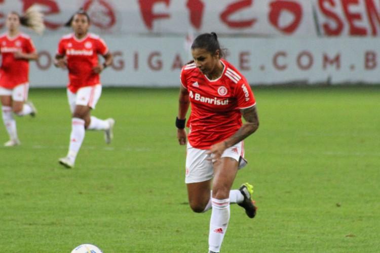 Liderado por Fabi Simões, Inter vence Gre-Nal no Brasileiro Feminino  (Foto: )