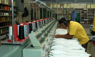 Indústrias, fábricas,Confecção Cobra D'agua,Confecção de roupas..Vila velha (ES) 19.05.2006 - Foto Miguel Ângelo