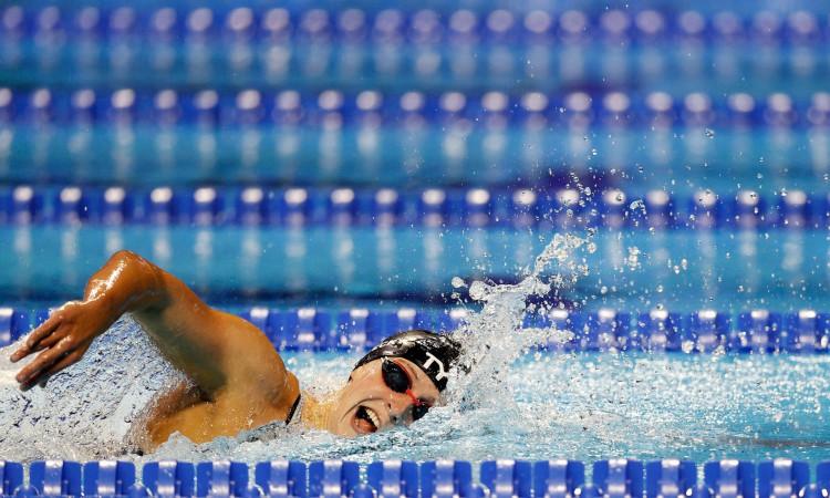 OMAHA, NEBRASKA - 19 DE JUNHO: Katie Ledecky dos Estados Unidos compete na final do estilo livre feminino de 800m durante o dia 7 das provas de natação da equipe olímpica dos EUA de 2021 no CHI Health Center em 19 de junho de 2021 em Omaha, Nebraska Maddie Meyer / Getty Images / AFP (Foto de Maddie Meyer / GETTY IMAGES NORTH AMERICA / Getty Images via AFP)