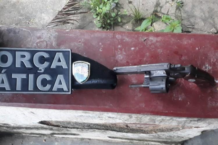 O material e os suspeitos foram apresentados à Delegacia Metropolitana de Maranguape