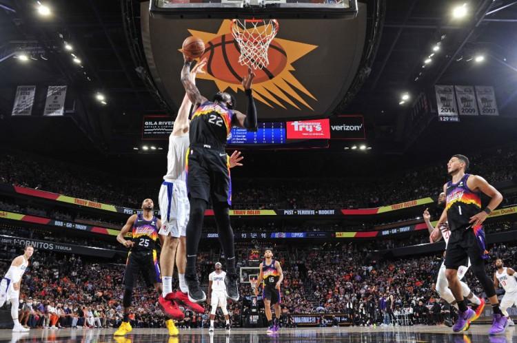 O Twitter Brasil inteiro comentou a cesta de Deandre Ayton no último segundo, dando a vitória para o Suns sobre o Clippers