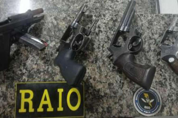 Homem foi preso Tauá por tráfico de drogas e tenta colocar a culpa em adolescente (Foto: Foto: Polícia Militar)
