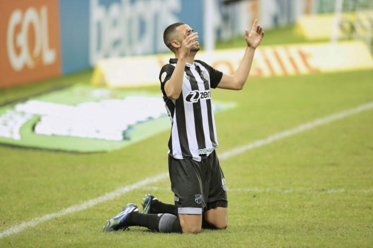 Gabriel Lacerda afirmou ter ganho mais confiança com as sequência de jogos  (Foto: Aurélio Alves/O POVO)
