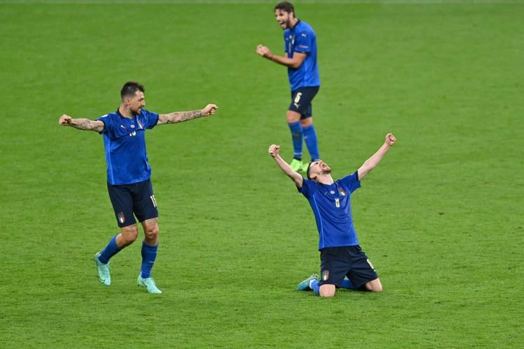 Itália se classificou às quartas de final da Eurocopa (Foto: JUSTIN TALLIS / AFP)