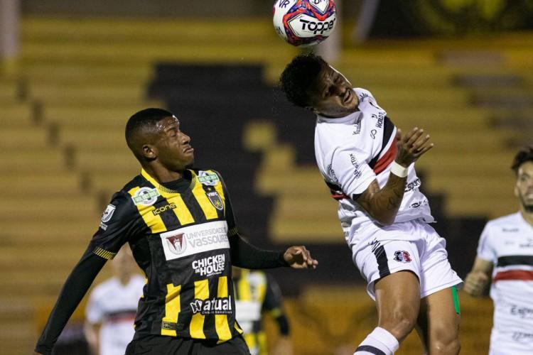 Santa Cruz segura empate com Volta Redonda na Série C (Foto: )