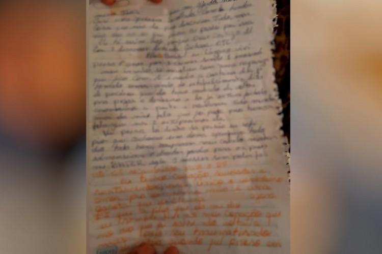 Carta que teria sido escrita por Lázaro Barbosa; Polícia investiga documento (Foto: Reprodução)