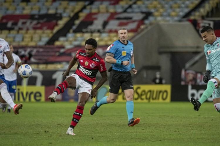 Flamengo de Vitinho enfrenta hoje o Juventude pelo Brasileirão 2021; veja onde assistir ao vivo à transmissão, provável escalão e qual horário do jogo (Foto: Alexandre Vidal / Flamengo)