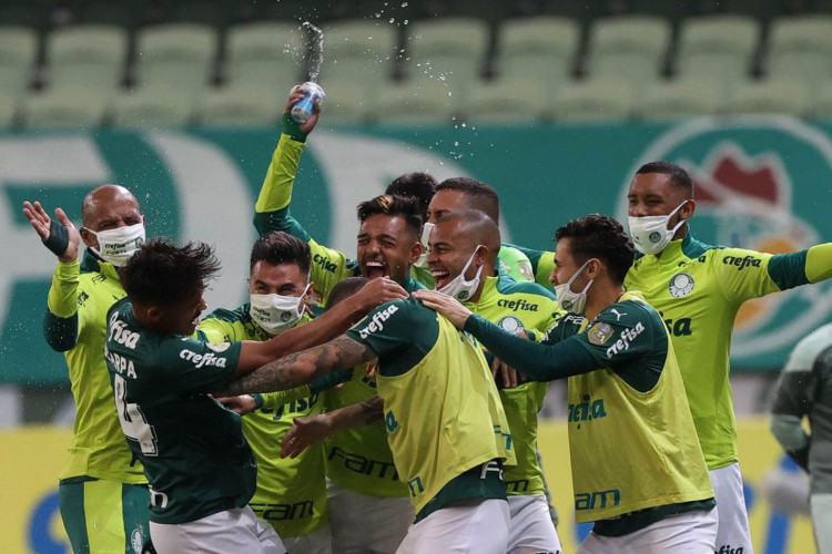 O jogador Gustavo Scarpa, da SE Palmeiras, comemora seu gol contra a equipe do EC Bahia, durante partida válida pela sétima rodada, do Campeonato Brasileiro, Série A, na arena Allianz Parque. (Foto: Cesar Greco) (Foto: Cesar Greco)