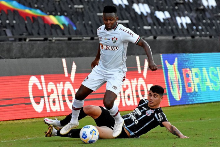 Fluminense arranca empate com Corinthians em São Januário (Foto: )